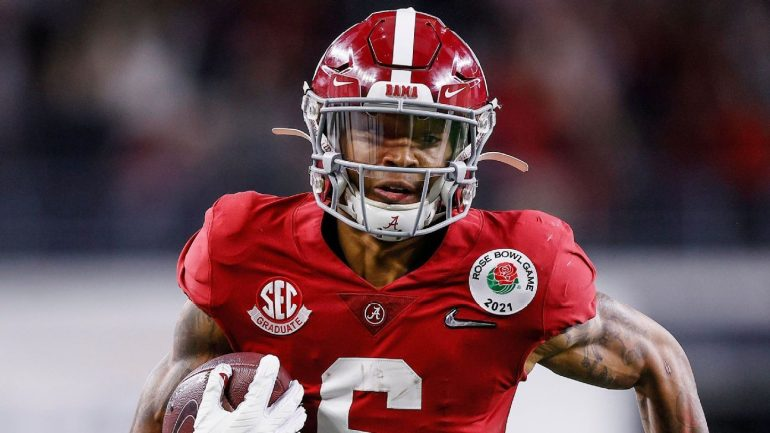 Why is DeVonta Smith the obvious choice for the Heisman Cup