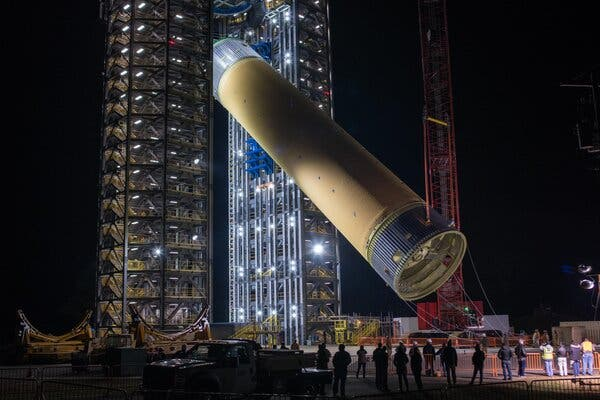 A liquid hydrogen tank for the Space Launch System was loaded onto a test platform at the Marshall Space Flight Center in Huntsville, Ala, in January 2019.