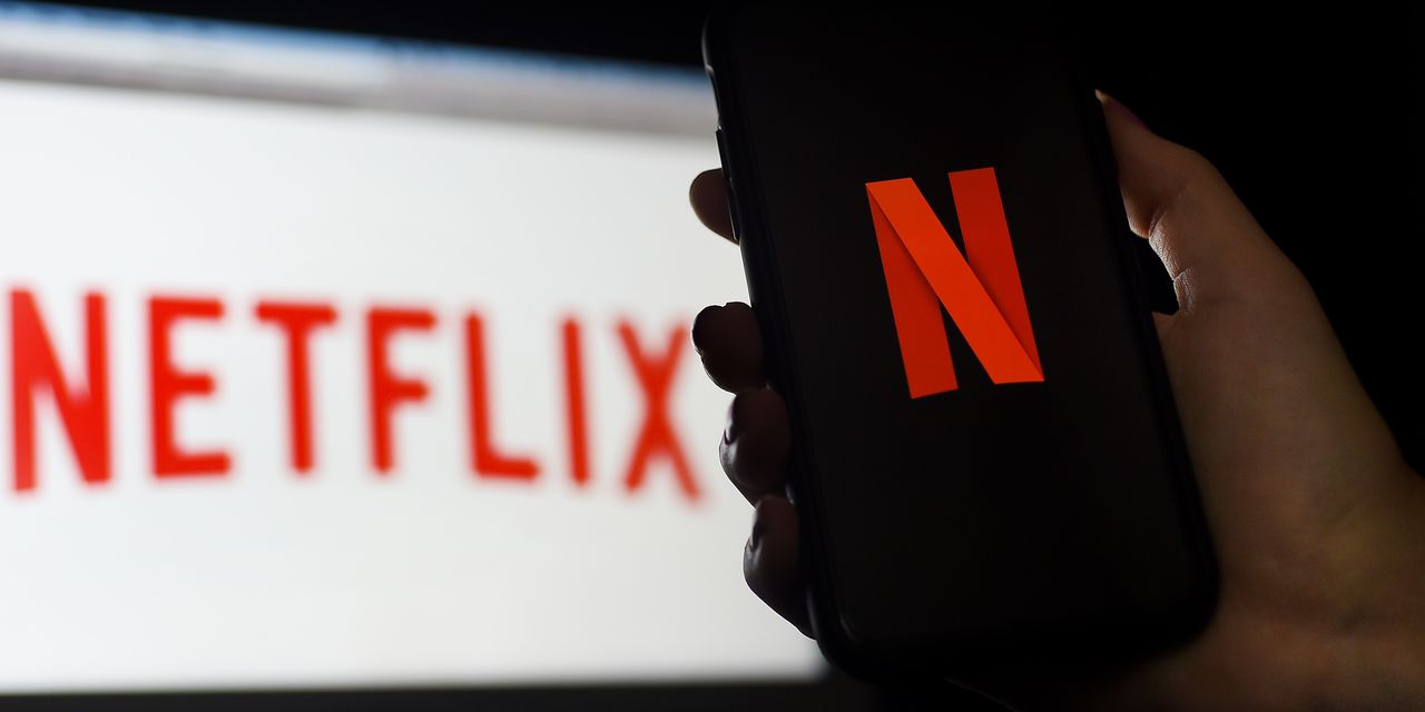 Netflix crosses 200 million subscribers on year-end boom, stock jumps 10%