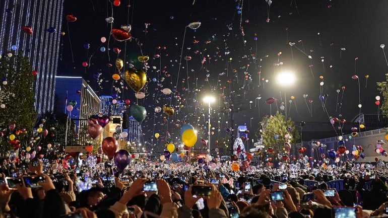 Photos show Wuhan, which was once the epicenter of the epidemic, crowded with New Year's celebrations.